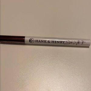 Hank and Henry long wear liquid eyeliner sealed